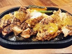 サルーテ チキンと野菜のグリル