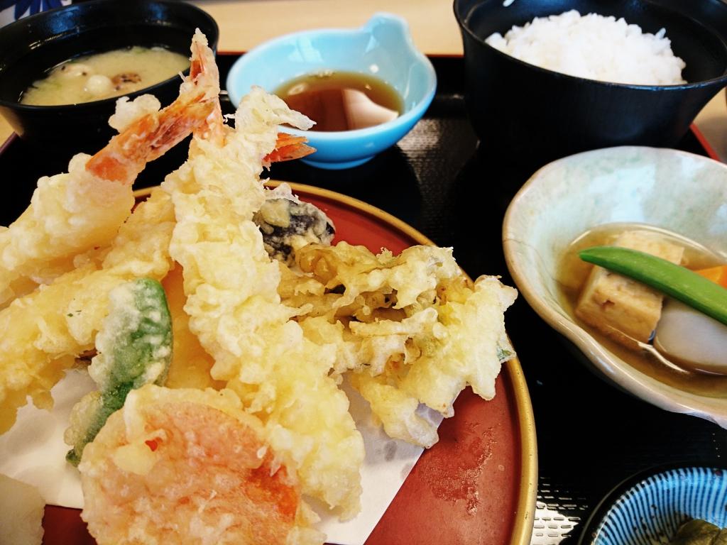 天ぷらランチ(780円)