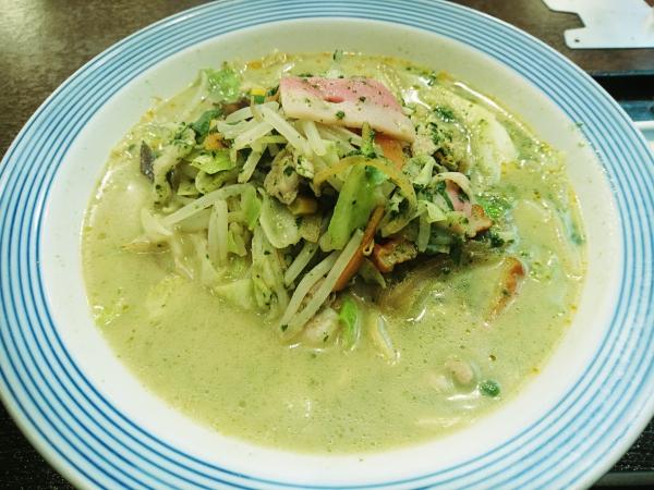 リンガーハット 彩りスープの長崎ちゃんぽん ほうれん草