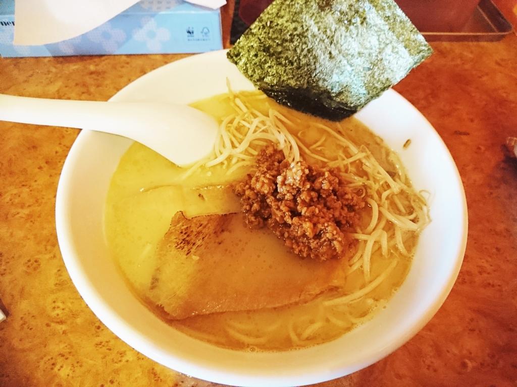 肉味噌鶏白湯ラーメン 750円