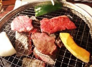 炭火で焼くとお肉がおいしくなります