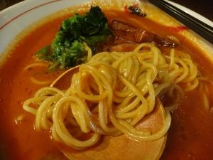 細麺の玉子麺