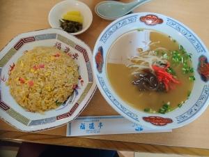中華定食(700円)
