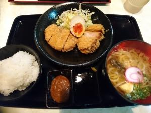 角煮カツ定食(900円)