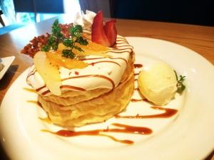 洋梨と紅茶のパンケーキ