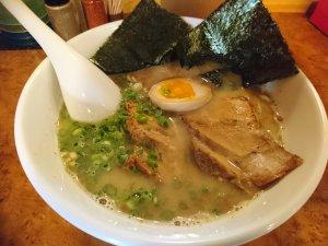魚介鶏白湯ラーメン(700円)