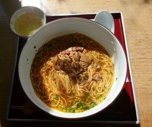 担々麺(600円)