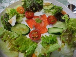 サラダ仕立ての前菜