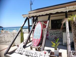 「海の家」のようなカフェ