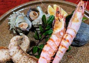 海鮮塩焼きとサザエのつぼ焼き