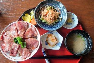 島原雲仙和牛丼セット(1,540円)