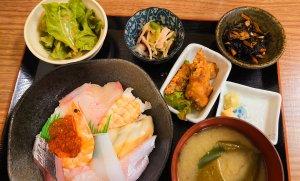 海鮮丼定食(880円)