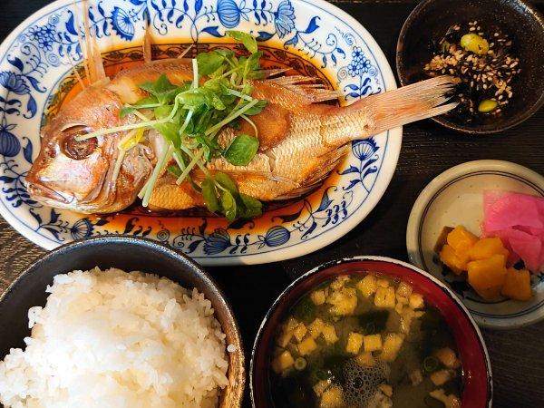 日替わり定食(鯛の煮つけ)